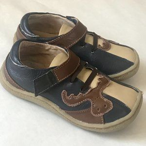 Livie and Luca Leather Size 9 Velcro Moose Shoes